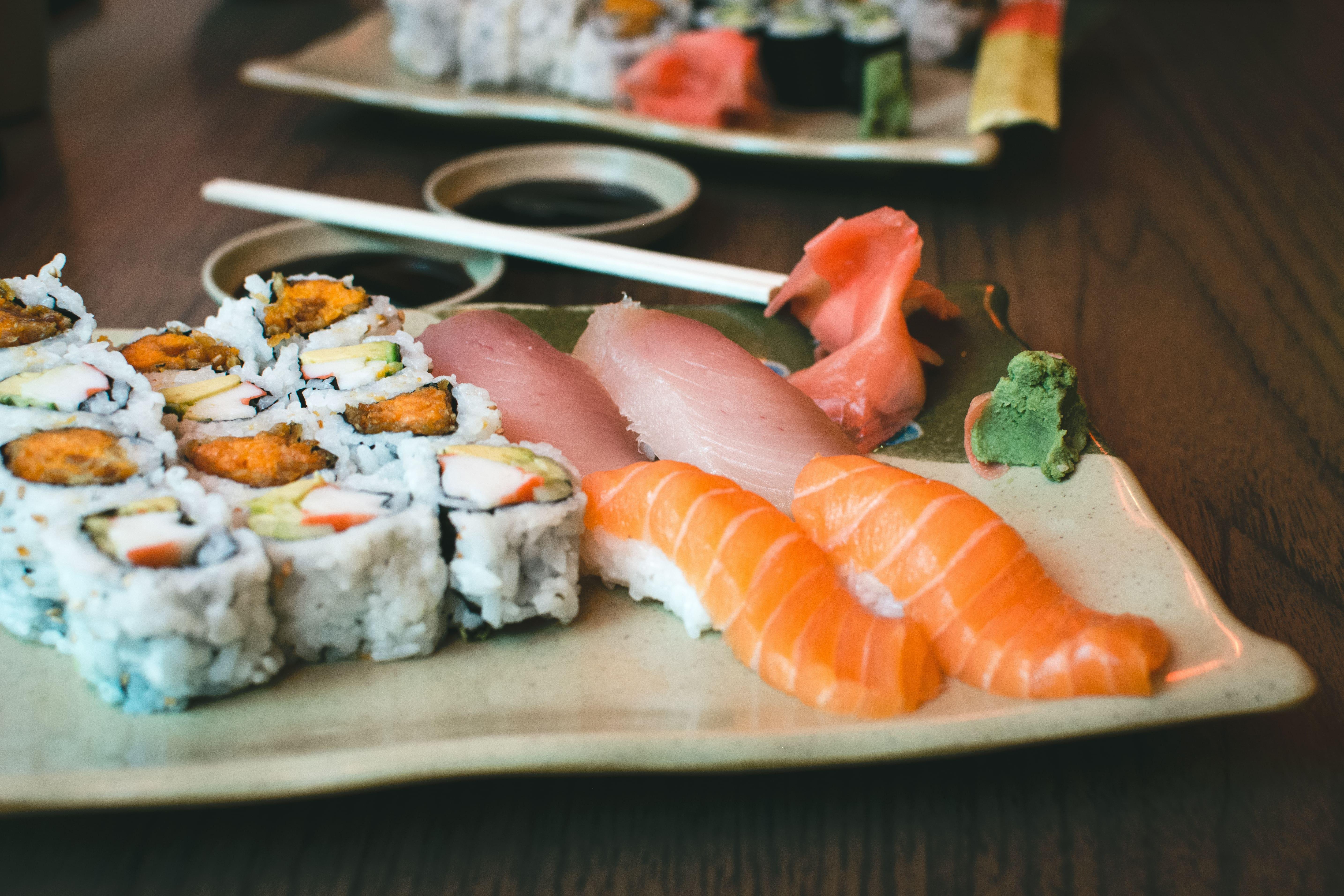 picography-fresh-sushi-yam-california-rolls-jakub-kapusnak-1-min